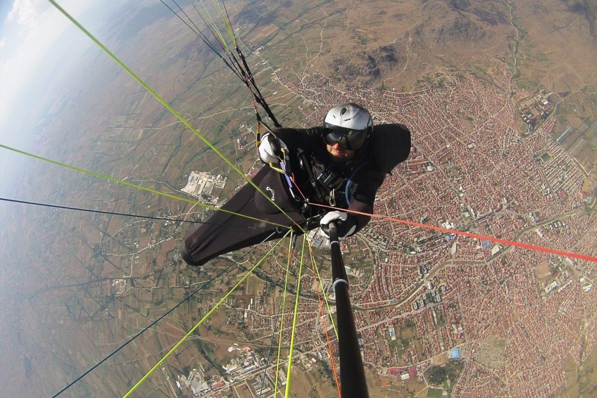 Airzone Gleitschirmreise Mazedonien Selfie über rusevo