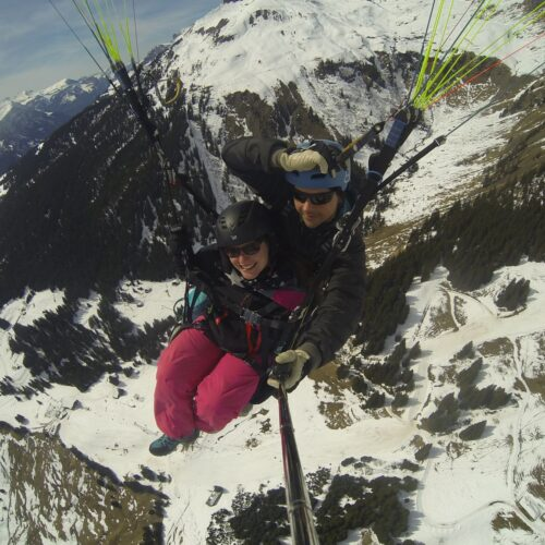 Airzone Tandemflug Selfie über Winterlandschaft