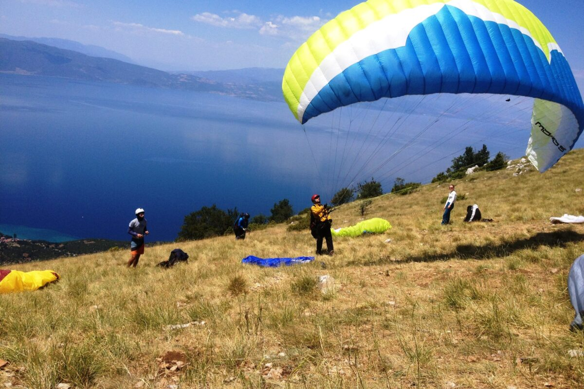 Airzone Gleitschirmreise Mazedonien Start Ohridsee