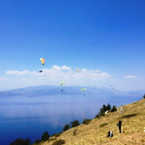 Airzone Gleitschirmreise Mazedonien Startplatz Ohridsee