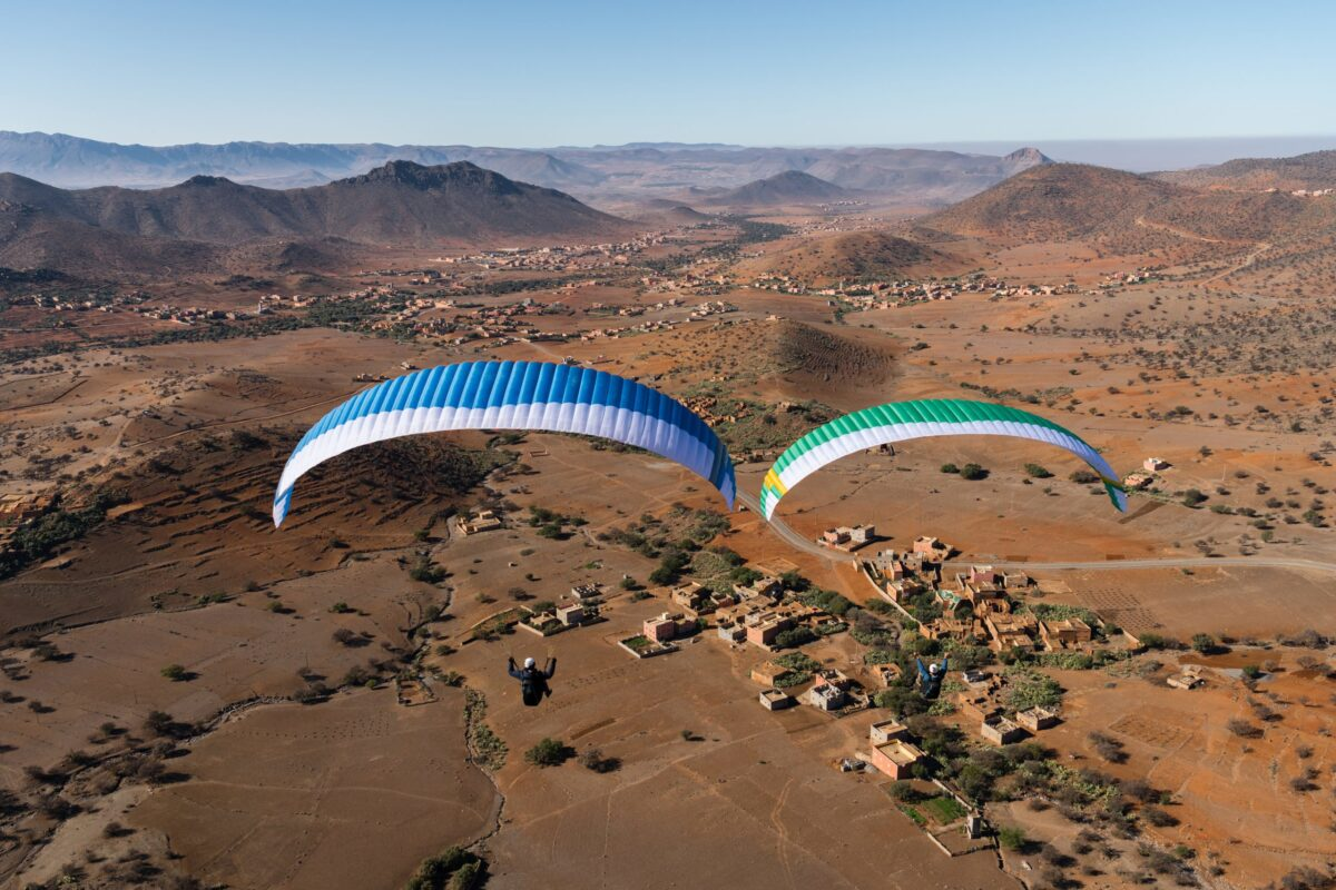 Nova Ion 6 green und blue von oben über wüstenlandschaft