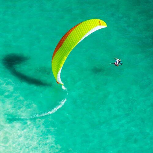 Advance Iota 2 gelb Bodenspirale im Wasser