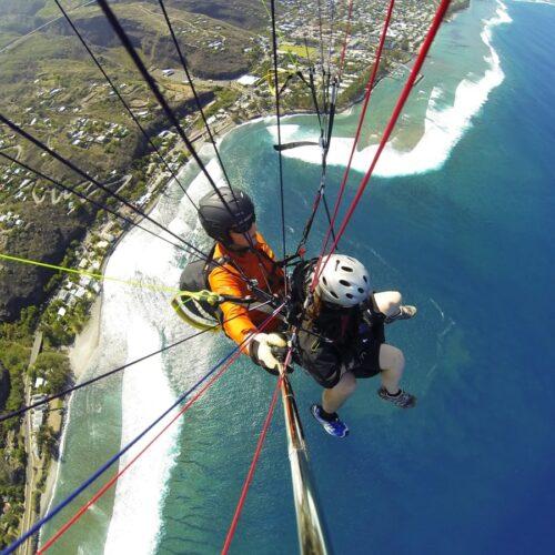 Gleitschirmreise La Reunion Tandemflug Selfie über Riff