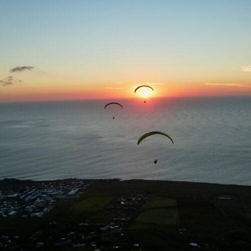 Gleitschirmreise La Reunion Flug in den Sonnenuntergang