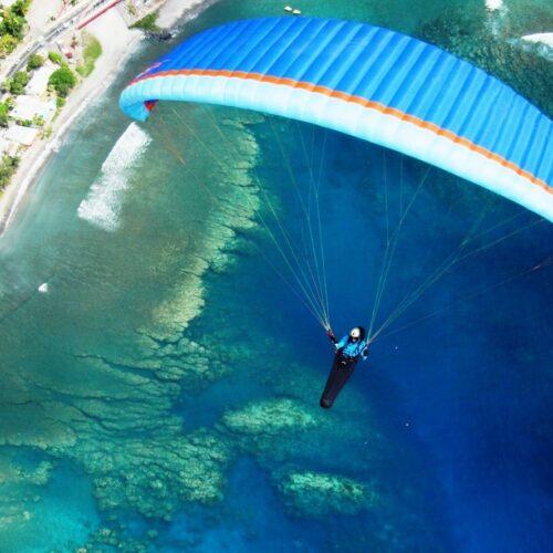 Gleitschirmreise La Reunion Schirm von oben über Korallenriff