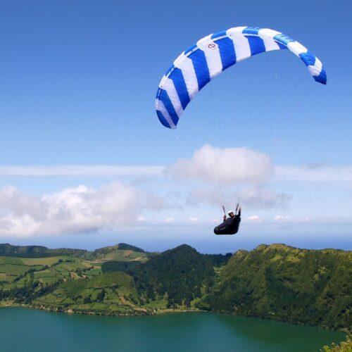Phi Symphonia weiss blau im Flug auf den Azoren